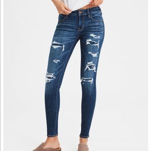 American Eagle Ripped Jegging size 8